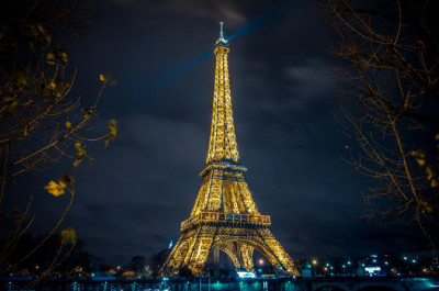 eiffel-tower-paris-moulin-rouge-show-and-seine-river-cruise-in-paris-150305